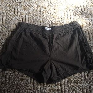 Madewell olive green shorts